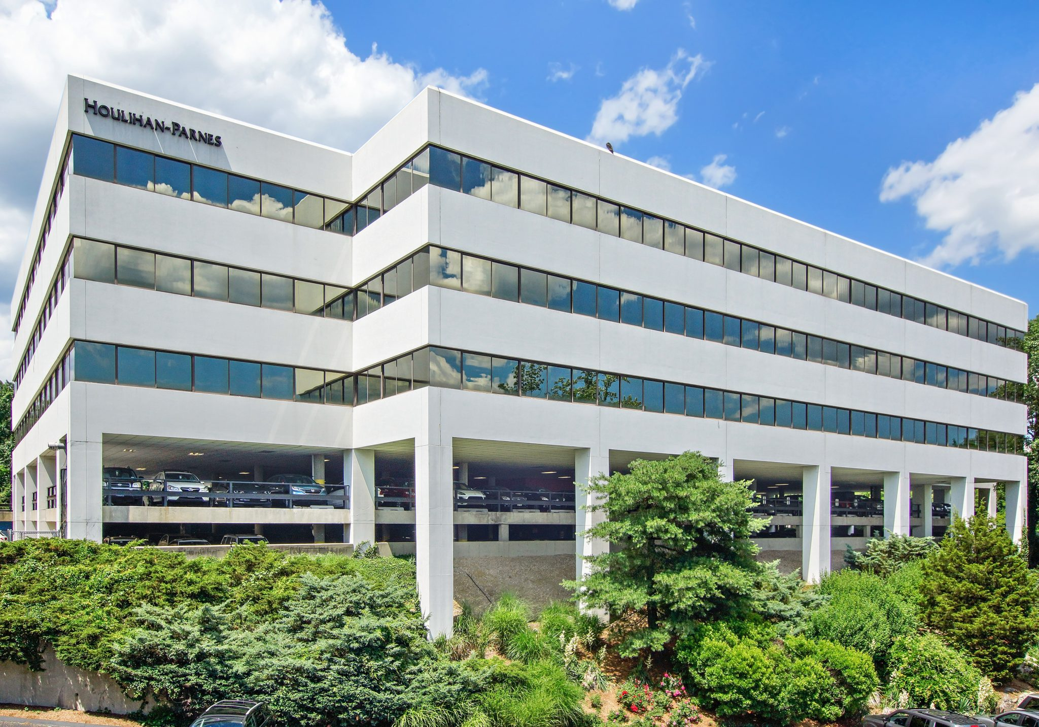 4 West Red Oak Lane – White Plains, NY 10604 – 2,023 sq. ft.